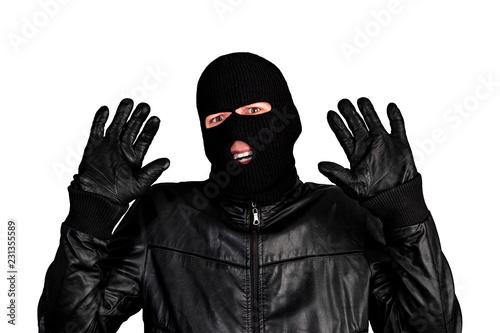 MERCEDES: Masket Thief
