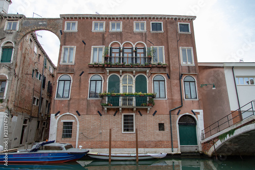 Foto op Plexiglas New York TAXI Venice Italy Street Canal Architecture Feature