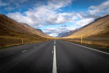 Conduciendo Solo Por La Carretera, Islandia