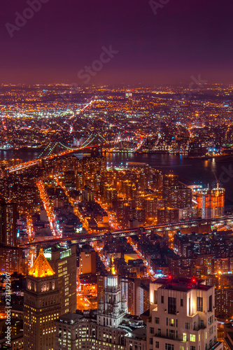 Poster Stad gebouw Amazing Vertical Aerial View over New York City at Night