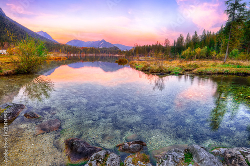 Foto op Plexiglas Purper Fantastic autumn sunset of Hintersee lake
