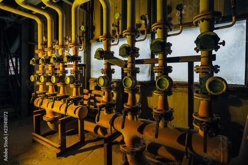 Spoed Foto op Canvas Muziekwinkel Steel industrial pipeline with valves and manometers