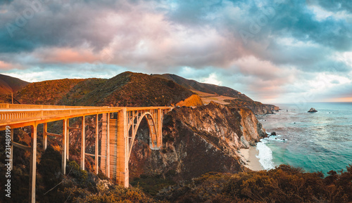 In de dag Verenigde Staten Bixby Bridge along Highway 1 at sunset, Big Sur, California, USA