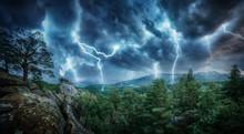 Lightning Thunderstorm Flash I...
