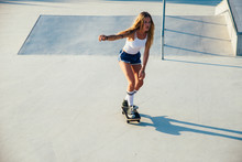 Beautiful Skater Girl Lifestyl...