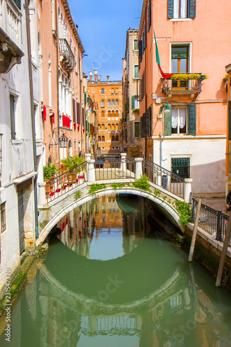 Photo Stands United States Small bridge in the Venice canal