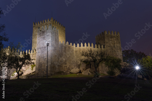 Spoed Foto op Canvas Historisch geb. Medieval castle in Guimaraes, Portugal