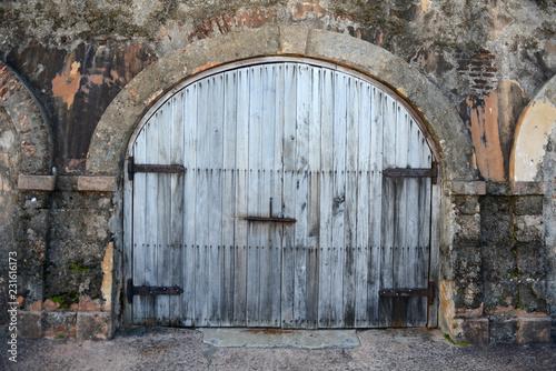 Foto op Aluminium Historisch geb. Rustic door at Old San Juan in Puerto Rico