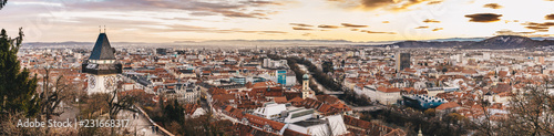 Photo sur Toile Europe Centrale Graz panorama as seen from the Schlossberg park hill
