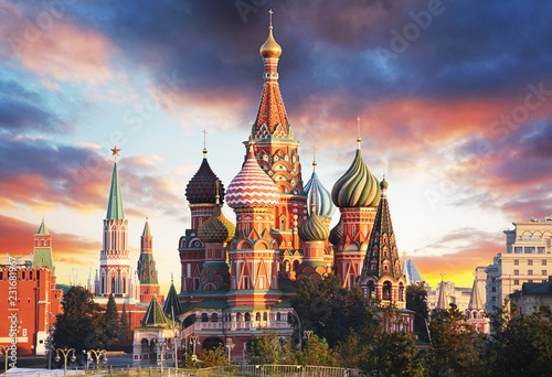Fotobehang Aziatische Plekken Moscow, Russia - Red square view of St. Basil's Cathedral at sunrise, nobody