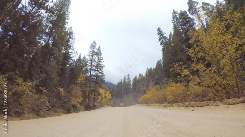 Fototapete - Driving on small mountain dirt roads from Colorado Springs to Cripple Creek in Autumn.