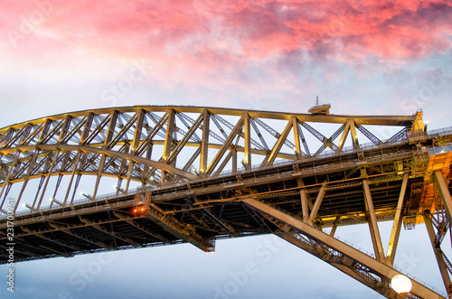 Foto op Aluminium Oceanië Night view of Sydney Harbor Bridge at sunset, Australia