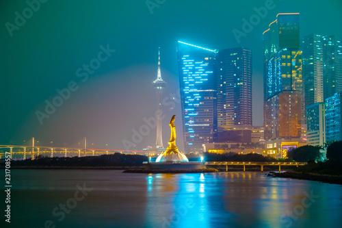 Fototapeta Statua Golden Guan Yin na Półwyspie Makau