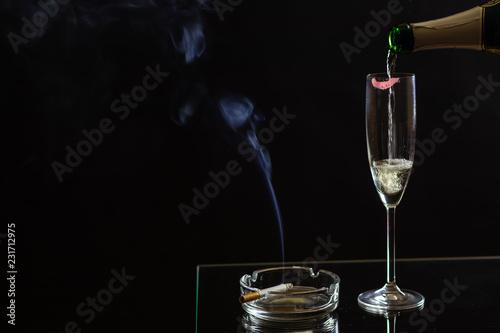 Fotografie, Obraz  Sekt mit Zigarette