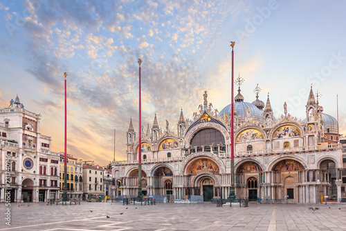 Fototapeta Basilica San Marco and the Clocktower in Piazza San Marco, morning view obraz
