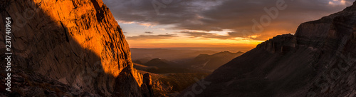 Photo  Sunrise Panorama in Rocky Mountain National Park, Colorado
