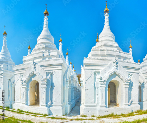 Spoed Foto op Canvas Asia land The sacred place in Mandalay, Myanmar