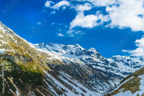 Valokuva  Alps mountains covered with snow and ice, Fluelapass, Davos,  Gr