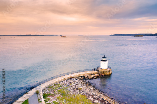 Foto auf AluDibond Leuchtturm Portland Breakwater Light in Maine, also called Bug Light, is a small lighthouse in South Portland, Maine