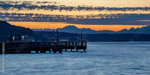 Canvas-taulu Golden sunset at the Tacoma bay in Washington
