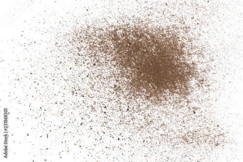 Keuken foto achterwand Aromatische Ground pepper powder isolated on white background, top view