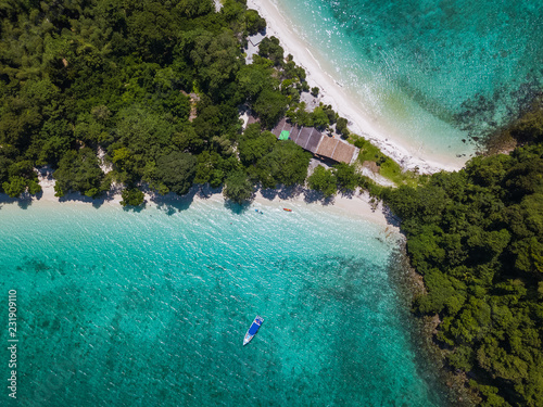Cuadros en Lienzo Aerial view from above of Twin Beach Mergui Island or Bruer island, seascape lan