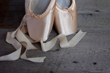 New Pink Ballet Pointe Shoes O...