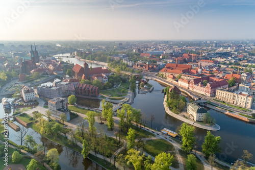 Cadres-photo bureau Vieux rose Spring in Wrocław aerial view