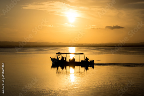 Tuinposter Pier Boat in the sunset 2