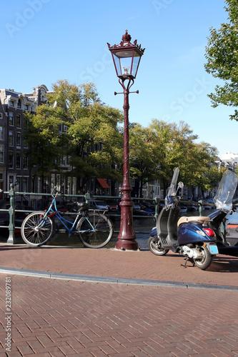 Fototapeta premium latarnia i rowery