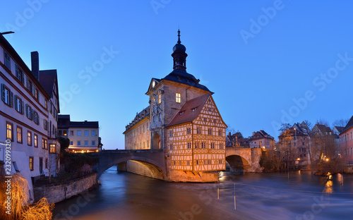 Staande foto Oude gebouw Germany, Bamberg, view to town hall at blue hour