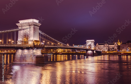 Deurstickers Boedapest Chain Bridge in Budapest Hungary