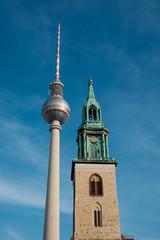 Fototapeta Berlin Tv Tower (Fernsehturm) and St. Mary`s Church (Marienkirche) -