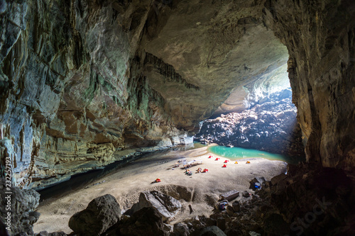 hang-en-cave-oboz-turystyczny-wewnatrz-duzy