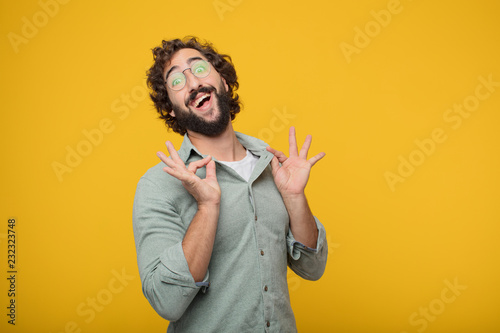 Fotomural  young bearded businessman expressing a concept