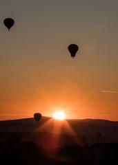 Fototapeta Balloon in the sunset