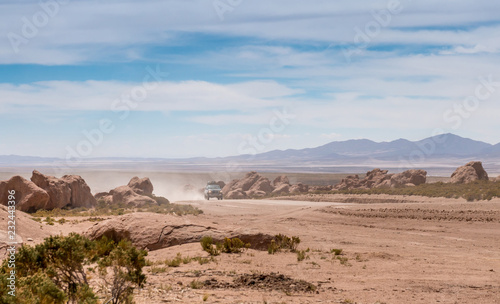 Photo Jeep in Bolivian desert