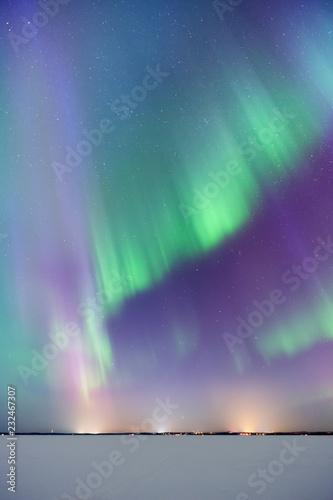 Keuken foto achterwand Noorderlicht Aurora Borealis, Northern Lights, above frozen lake