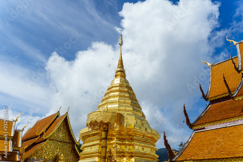Foto op Aluminium Bedehuis Wat Phra That Doi Suthep is a Theravada buddhist temple at beautiful near Chiang Mai, Thailand
