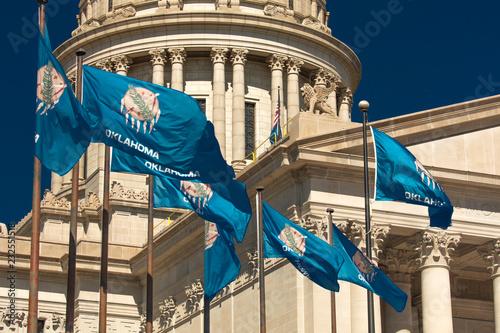 Fotografia, Obraz  State Flag flies over Oklahoma State Capitol, Oklahoma City OK