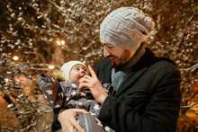 Man And Baby Girl In The City ...