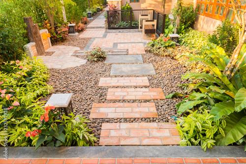 Papiers peints Jardin decorative garden and floor