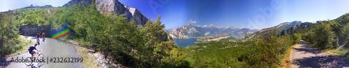 Photo Torbole-Nago, salita al monte Altissimo con panorama a 360°