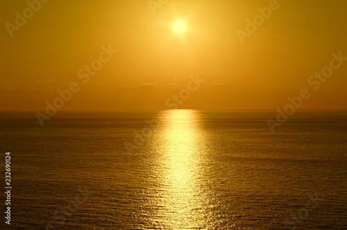 Foto op Plexiglas Zee zonsondergang Beautiful sunset above the tyrrhenian sea