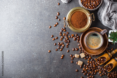 Foto op Plexiglas Cafe Black coffee in a composition with kitchen accessories