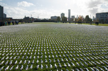 Shrouds In London  -  All 72,3...