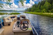Boat Trips. Lake. Powerboat Fo...