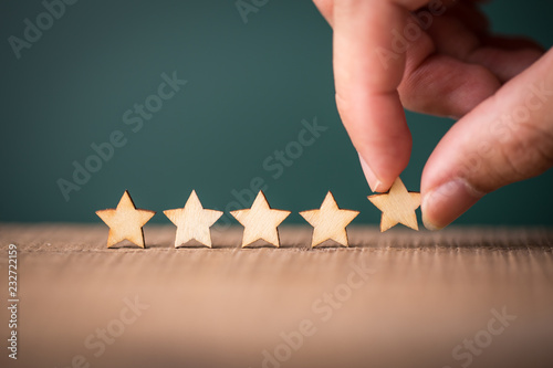 Foto The best excellent business services rating customer experience concept