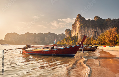 Spoed Foto op Canvas Asia land Long tail boats in Thailand