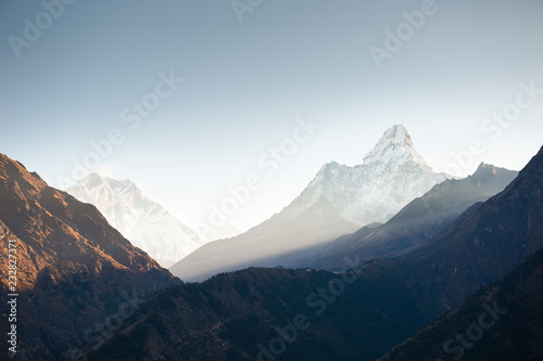 Photo  View of Mount Ama Dablam in the morning sunrise in Himalayas, Nepal